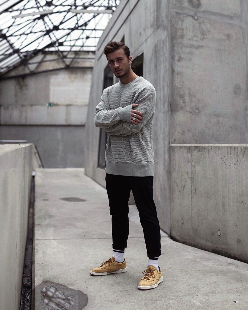 Sweater, black pants, white socks and light brown sneaker
