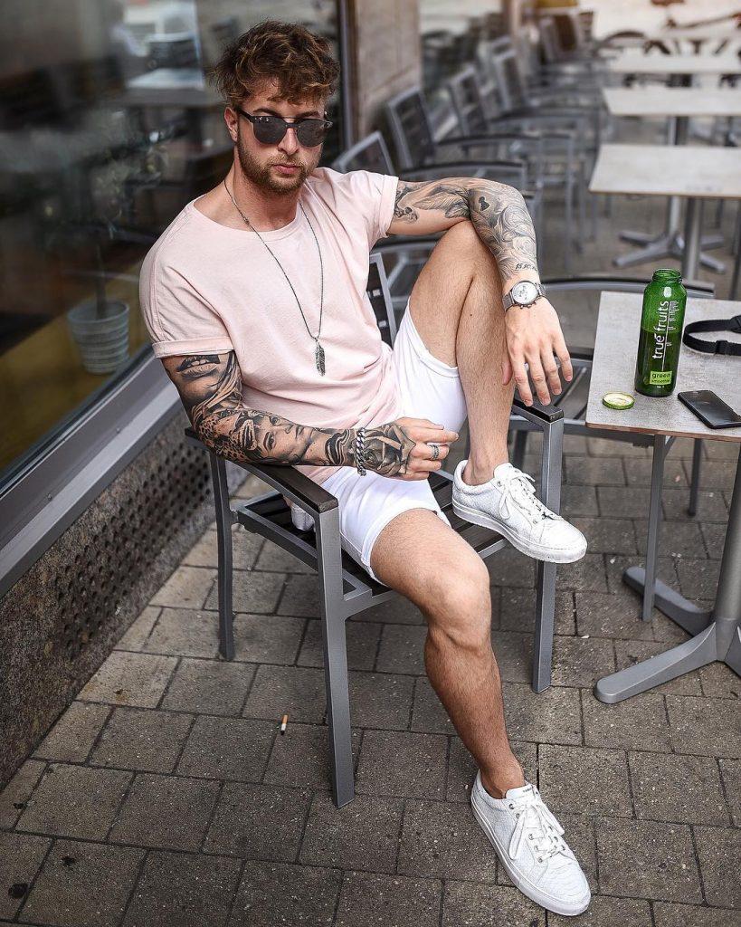 Pink tee, short pants, sneaker