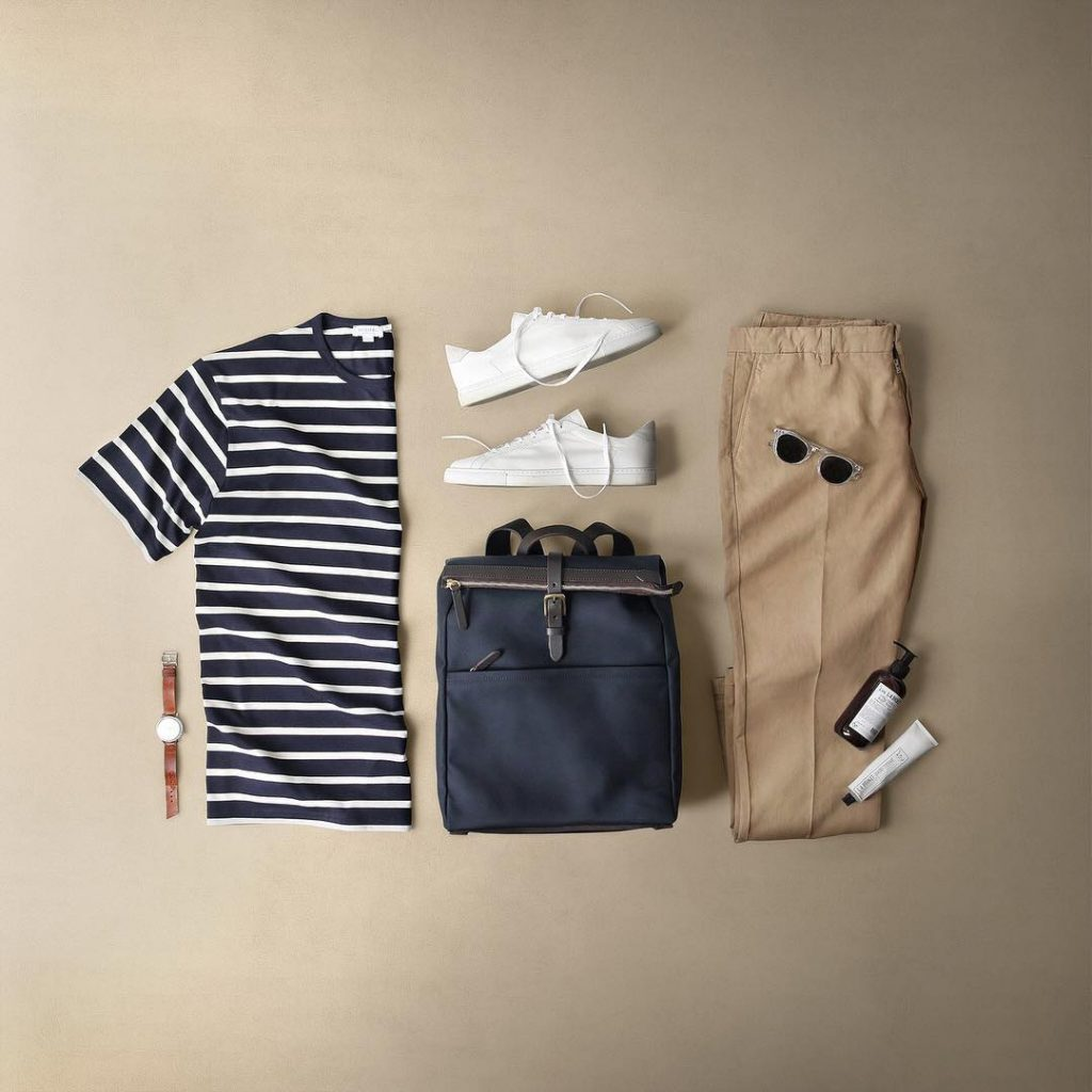 Street wear, print shirt, chinos pants, sneaker