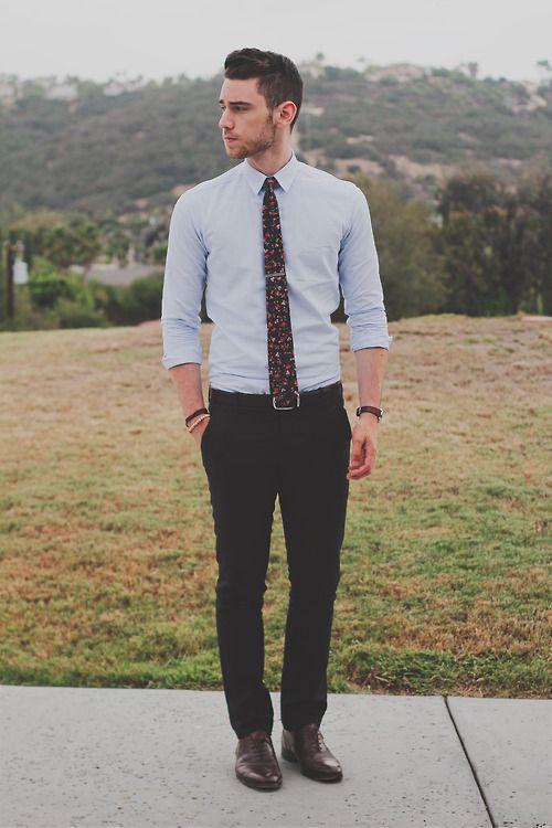 White shirt, print tie, leather belt, black dress pants, leather shoes