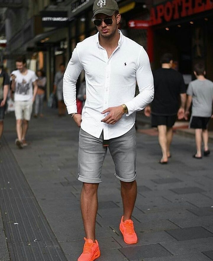 Polo Ralph Lauren Oxford shirt, gray short jeans, baseball cap, and orange sport shoes