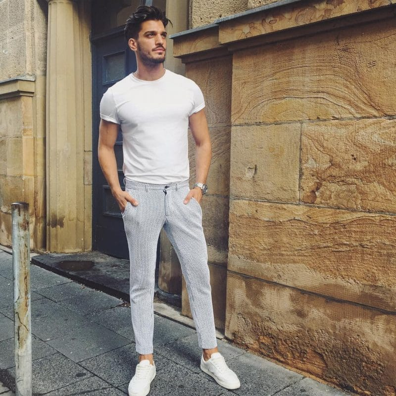 Fitted white plain t-shirt, dress pants and white sneaker