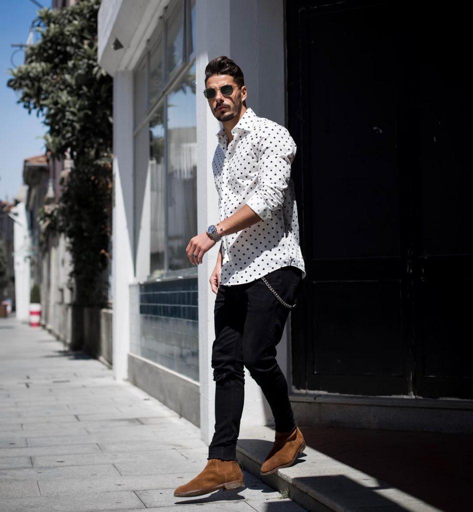 Print shirt, jeans, Chelsea boots