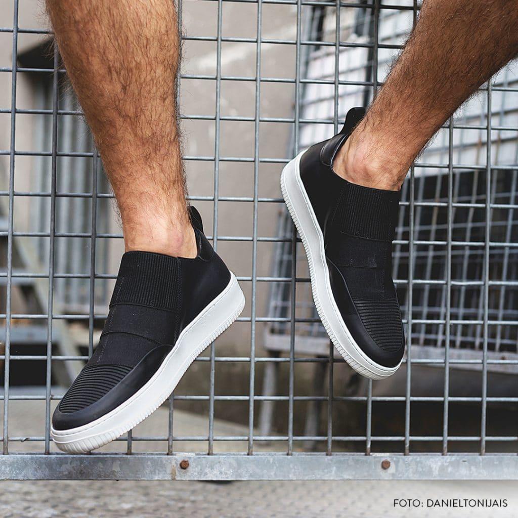 Men wearing slip-on shoes