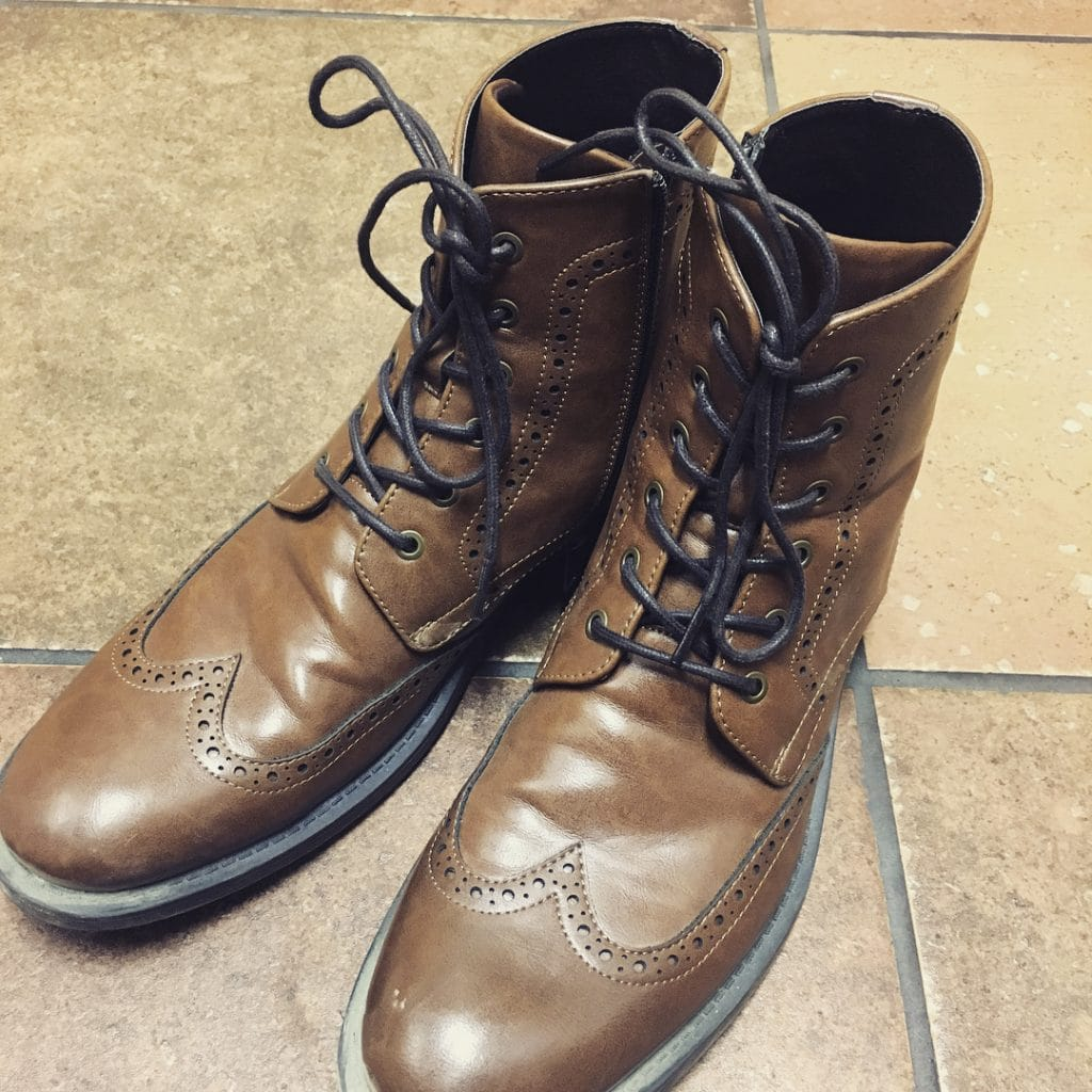 Wingtips boots