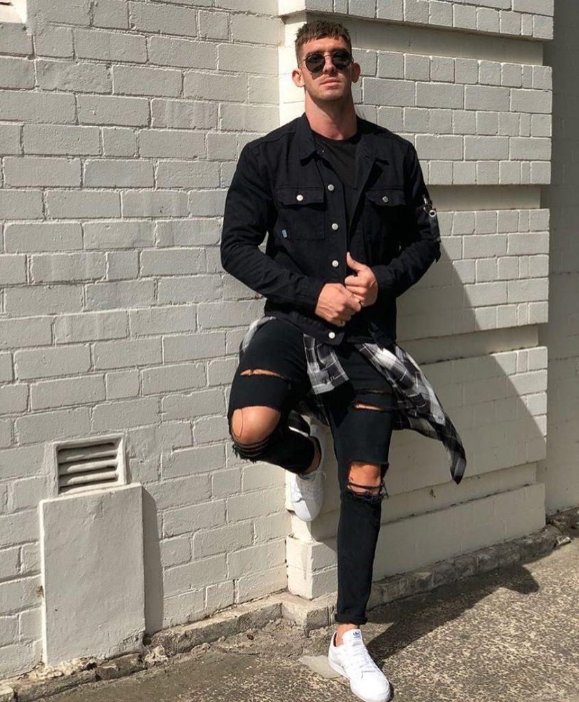 Black overshirt, tee, jeans, sneaker