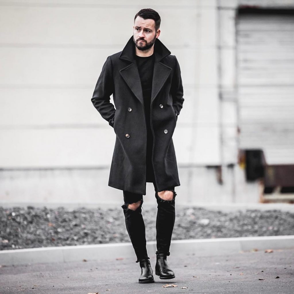 Black trench coat, tee, jeans, boots
