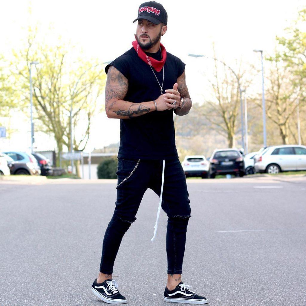 Black tank top, sport pants, sneaker