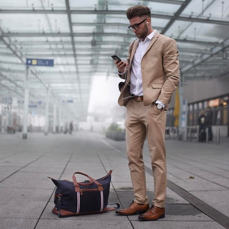 White shirt, light brown suit (more to blazer + chinos pants) and derby dress shoes
