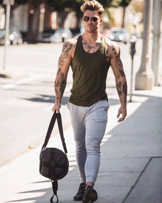 Singlet, jogger pants, training shoes
