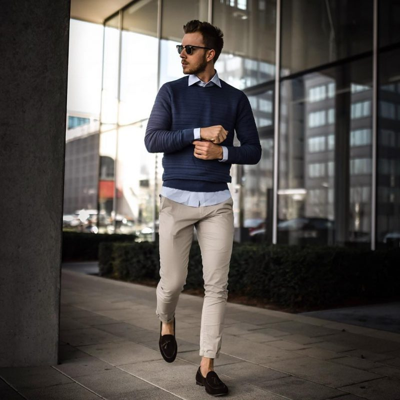Sweater over shirt, beige chinos 9