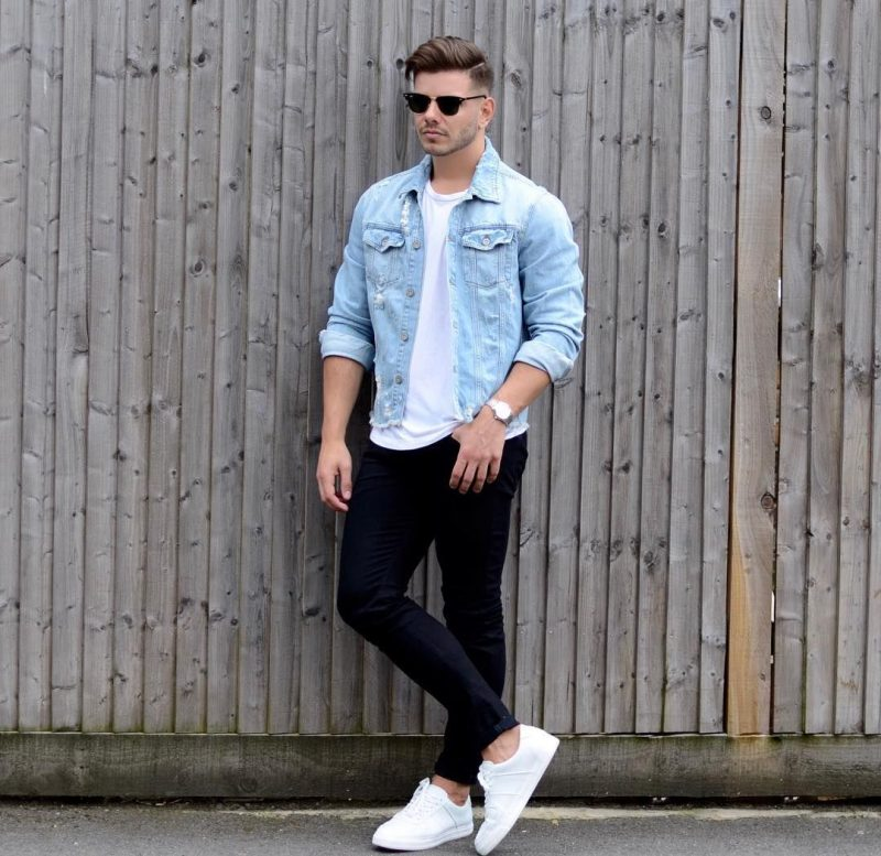 Blue denim jacket outfit: white tee, black jeans, white sneaker.