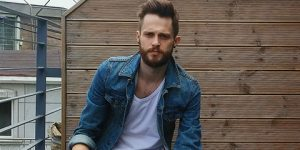 Fashion secrets of styling a men denim jacket feature
