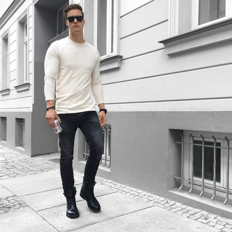 Beige long sleeve tee, black jeans, black leather boots 1