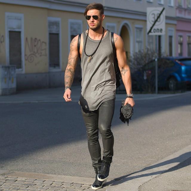Gray singlet, black pants, leather sneaker 1