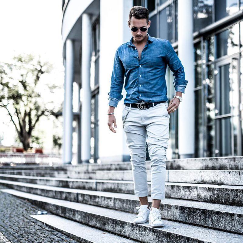 Blue button down shirt, white chinos pants, white sneaker 1