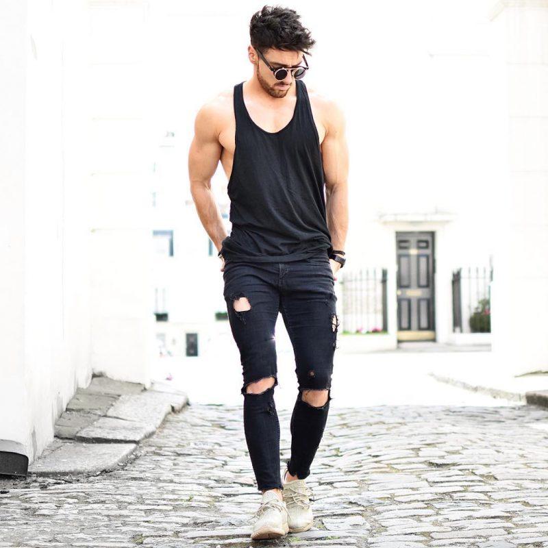 Black singlet, black ripped jeans, sneaker 1