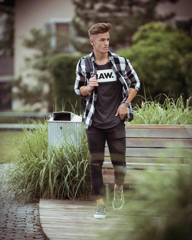 Black print tee, checked shirt, ripped jeans, sneaker 1