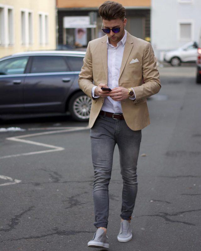 Tan blazer, white shirt, faded jeans, gray sneaker 1