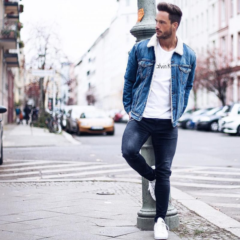 Denim sherpa coat, white t-shirt, dark blue jeans, white sneaker 1