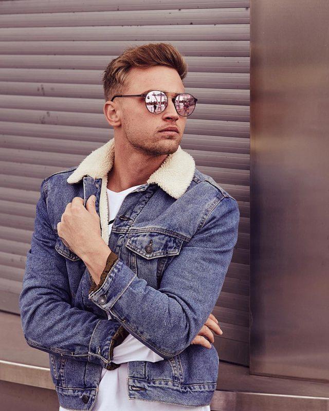 Denim sherpa coat, white t-shirt, sunglasses 1