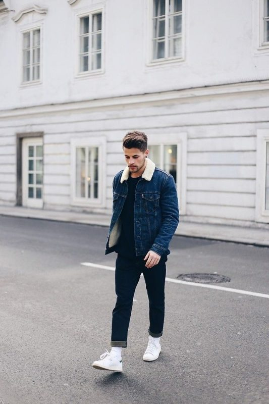 Denim sherpa jacket, black t-shirt, blue jeans, white sneaker 1