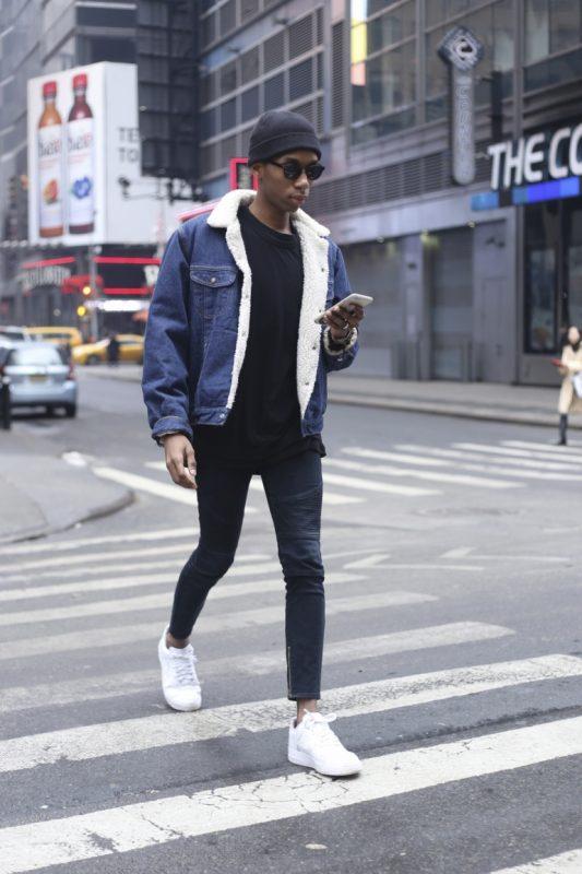 Denim sherpa jacket, black t-shirt & pants, beanie, white sneaker 1