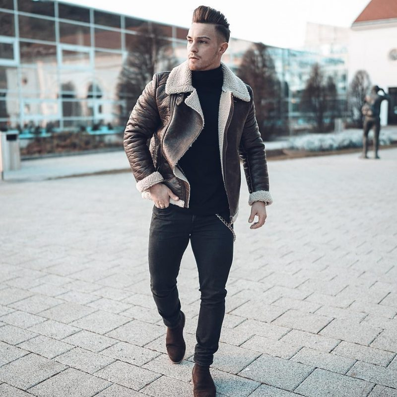 Brown shearling leather coat, black sweater, jeans, suede Chelsea boots 1