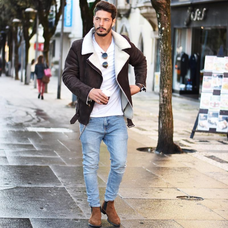 Dark brown suede shearling coat, white t-shirt, jeans, Chelsea boots 1