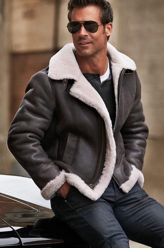 B-3 leather jacket, white t-shirt, black t-shirt, jeans 1