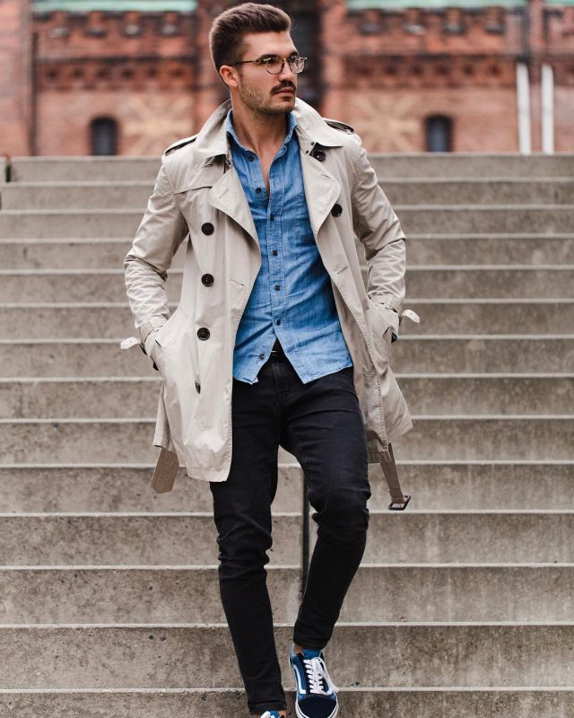 Beige trench coat, denim shirt, black jeans, sneaker 1