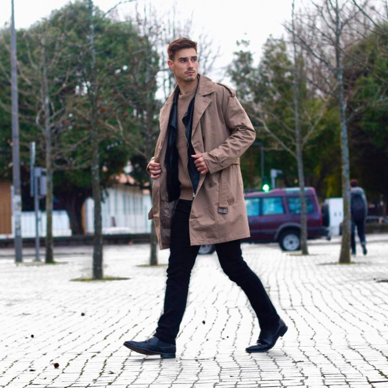 Brown trench coat, sweater, black jeans, leather Chelsea boots 1