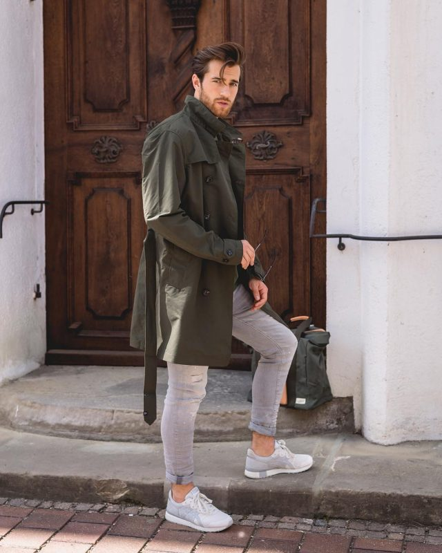 Olive green trench coat, grey washed jeans, sneaker 1
