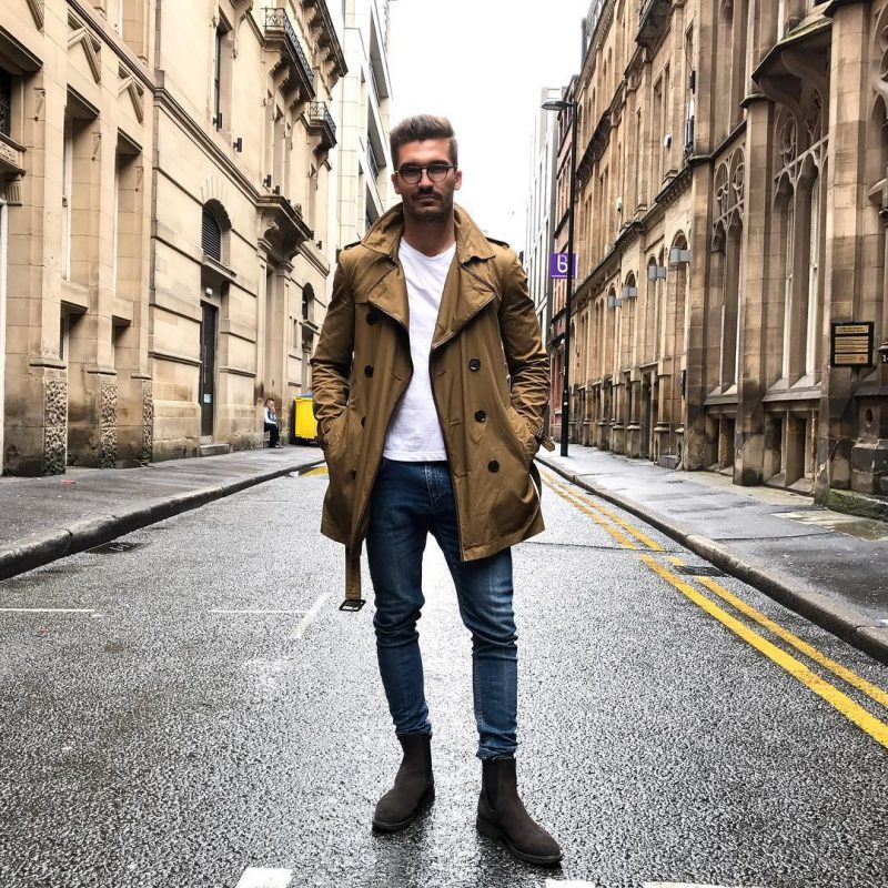 Dark brown trench coat, white t-shirt, blue jeans, suede Chelsea boots 1