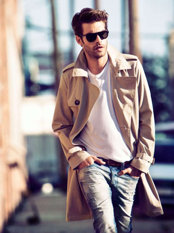 Beige trench coat, white t-shirt, blue washed jeans, shades 1