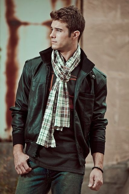The Parisian Scarf Knot for Men 1