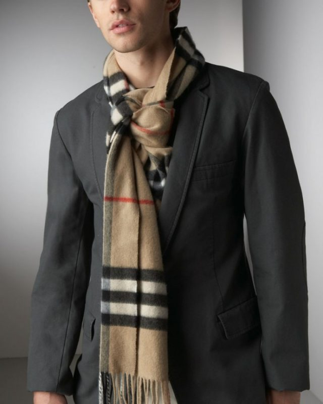 The Fake Scarf Knot for Men 1