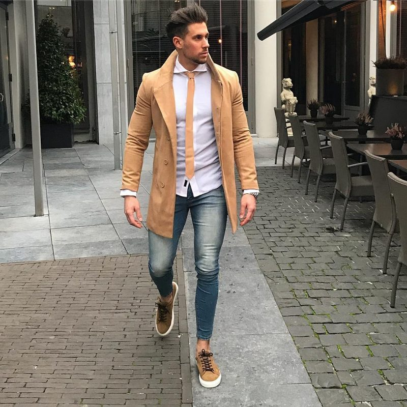 Camel overcoat, white shirt, yellow tie, brown sneaker 1