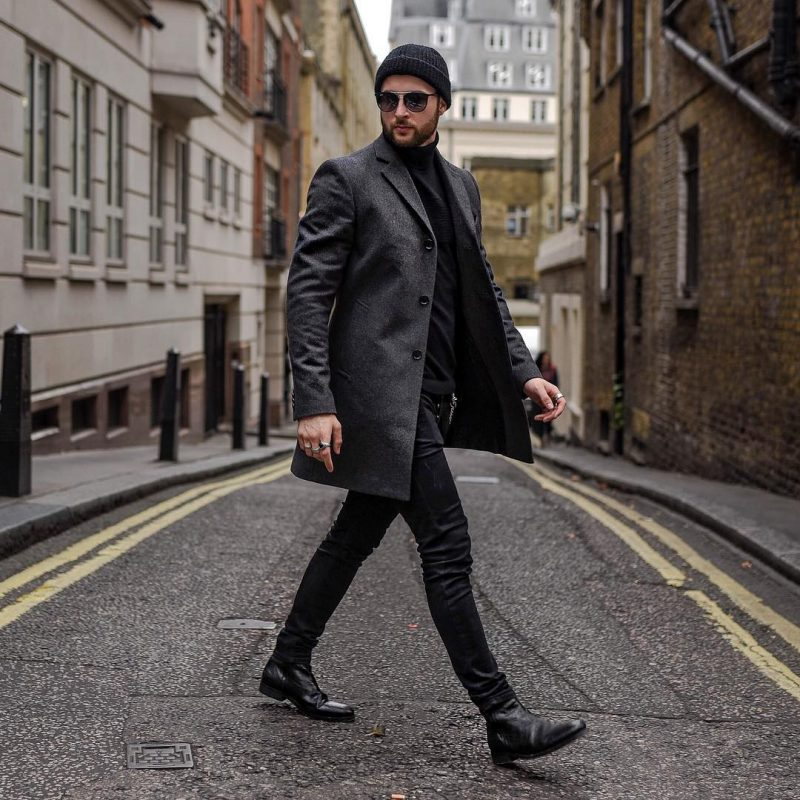 Dark grey overcoat, black turtleneck t-shirt, beanie hat 1