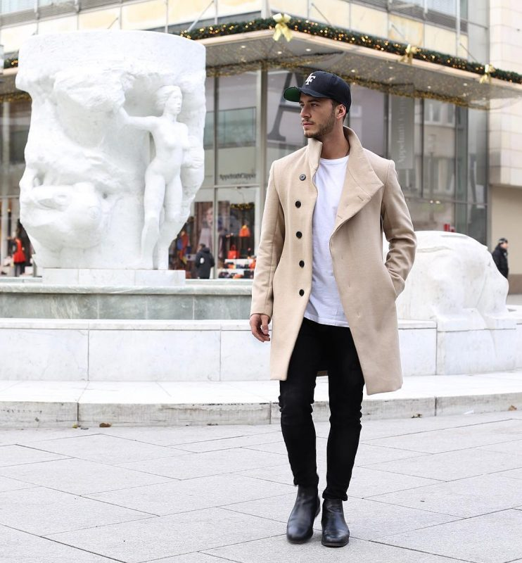 Beige overcoat, white t-shirt, snapback, leather boots 1