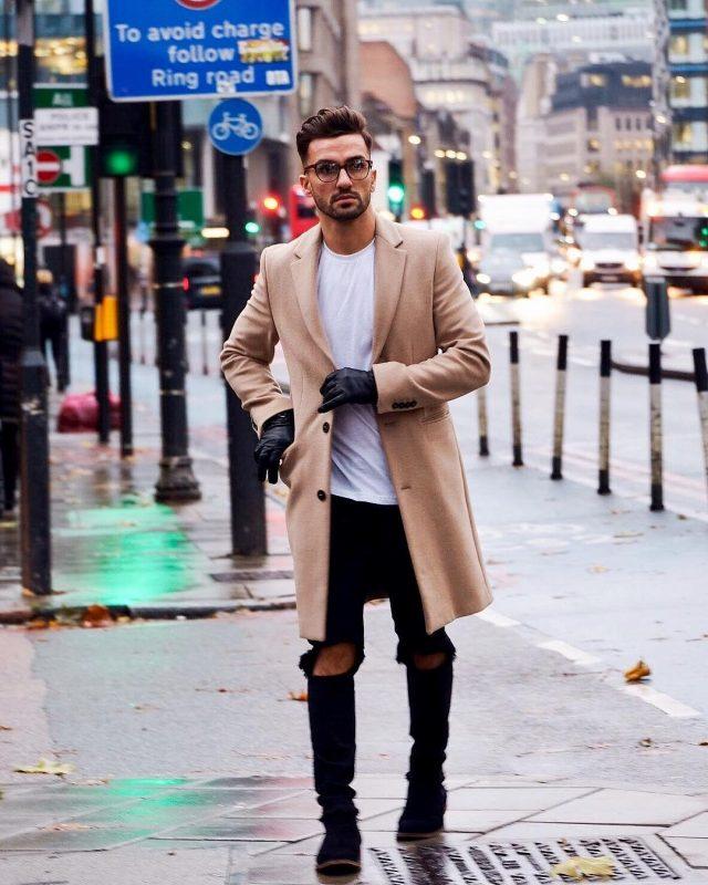 Camel overcoat, white t-shirt, black jeans, black leather gloves 1
