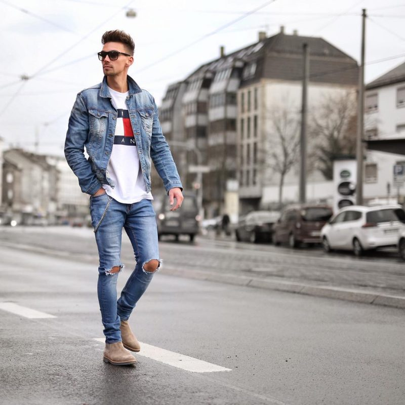 40 mens winter work outfit styles with winter boots. Denim jacket, jeans, beige Chelsea boots 1