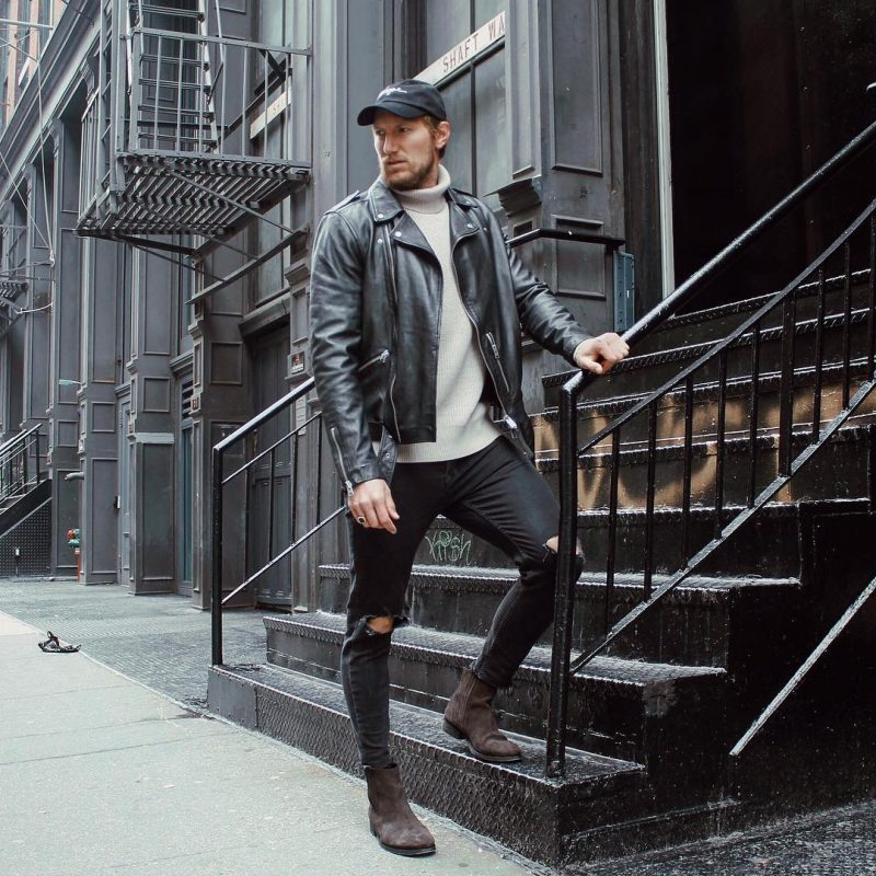 40 mens winter work outfit styles with winter boots. Leather biker jacket, turtleneck sweater, black jeans, suede Chelsea boots 1