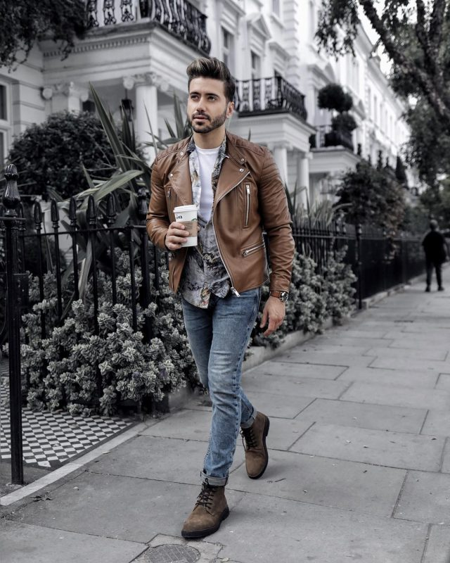 40 mens winter work outfit styles with winter boots. Suede plain toe boots, brown leather jacket, print shirt, white t-shirt 1
