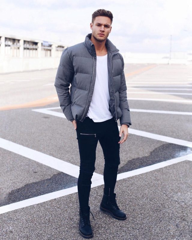 40 mens winter work outfit styles with winter boots. Leather work boots, grey puffer jacket, white t-shirt, black jeans 1