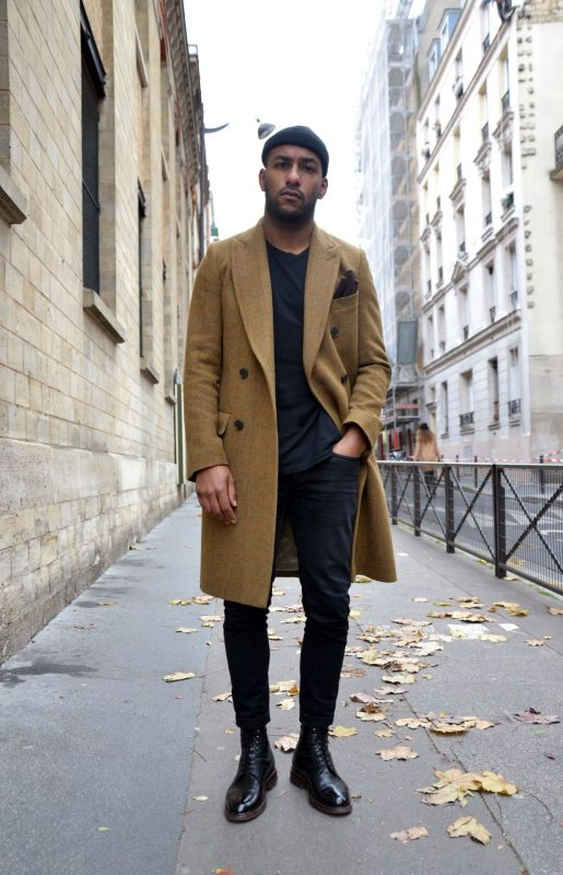 40 mens winter work outfit styles with winter boots. Cap toe leather boots, brown overcoat, black t-shirt 1