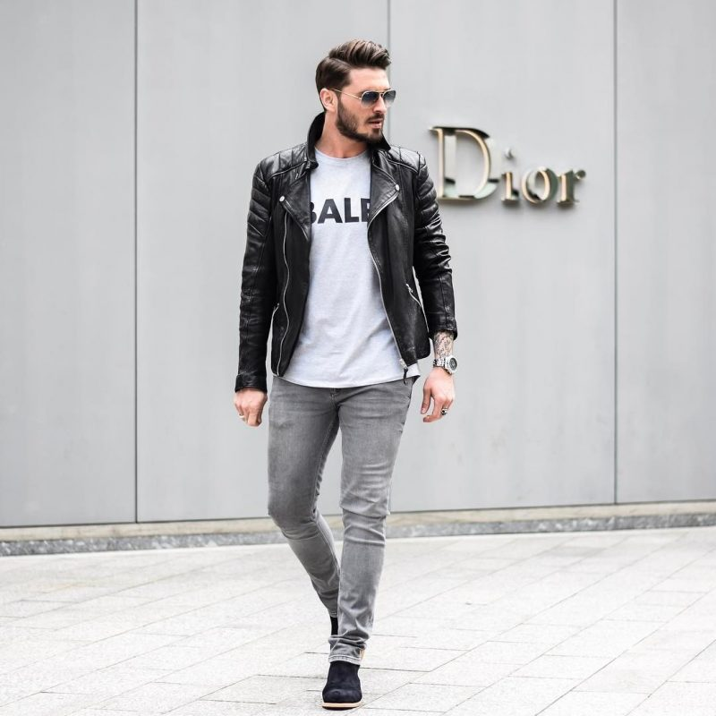 40 mens winter work outfit styles with winter boots. Suede Chelsea boots, leather jacket, white t-shirt, grey jeans 1