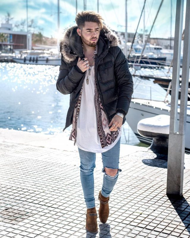 40 mens winter work outfit styles with winter boots. Tan suede boots, parka jacket, white singlet, print overshirt, jeans 1