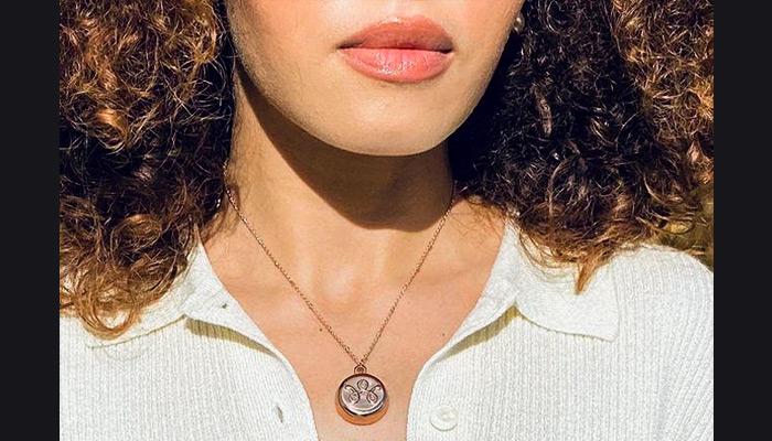 invisaWear smart necklace