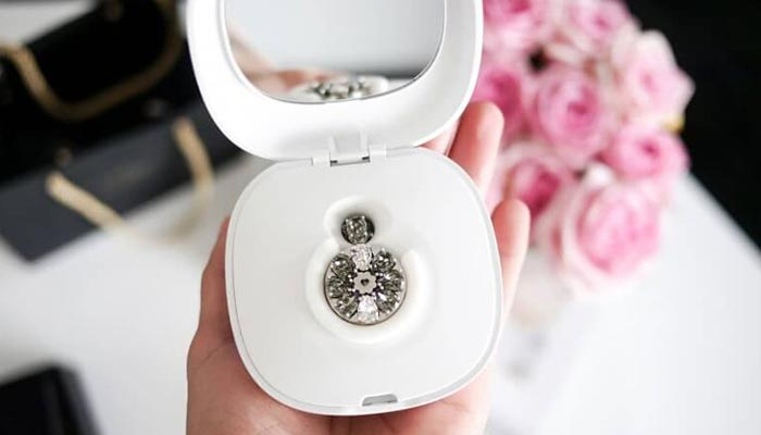 We Bloom Charging Box with Mirror
